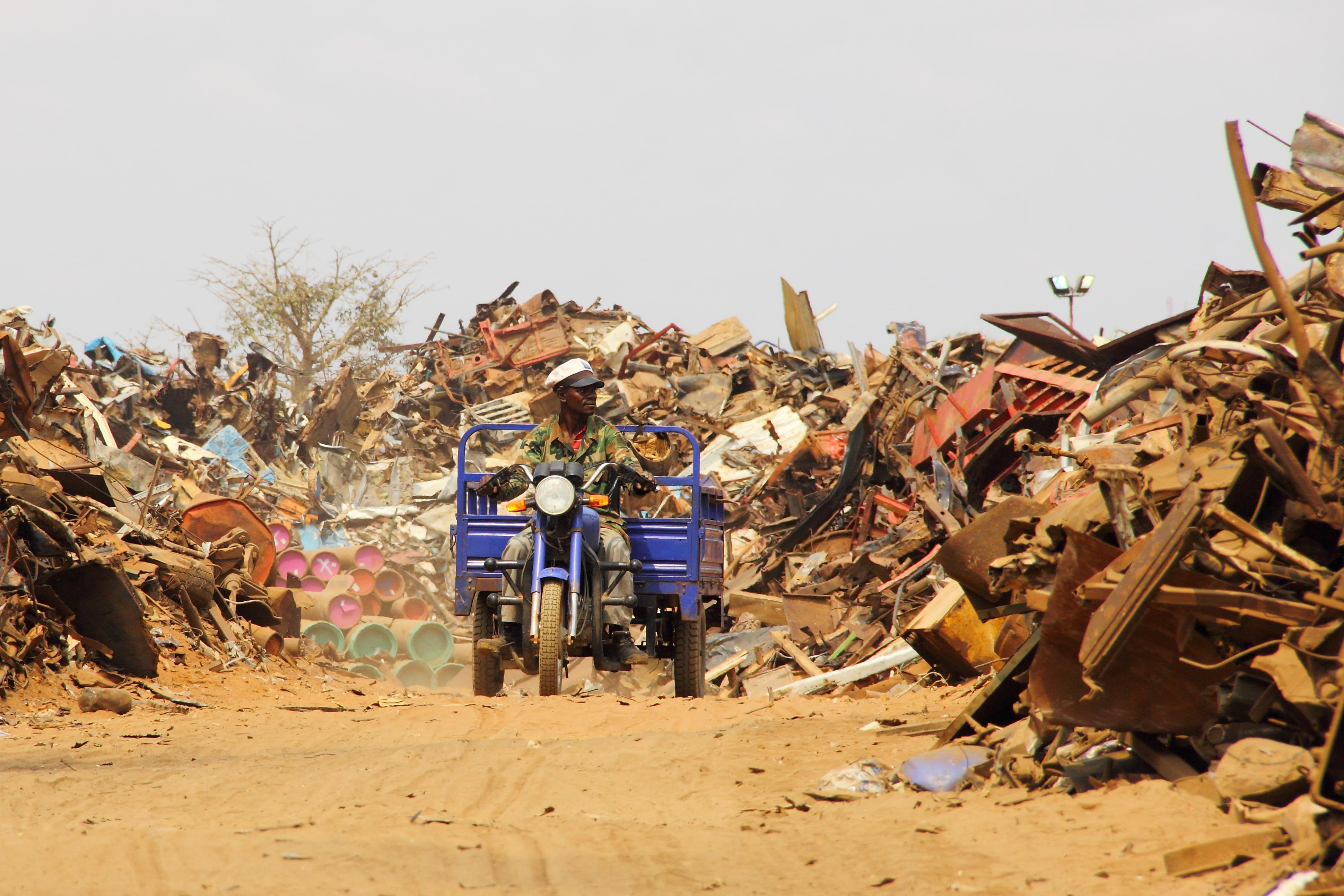 Post-conflict circular economy in Angola
