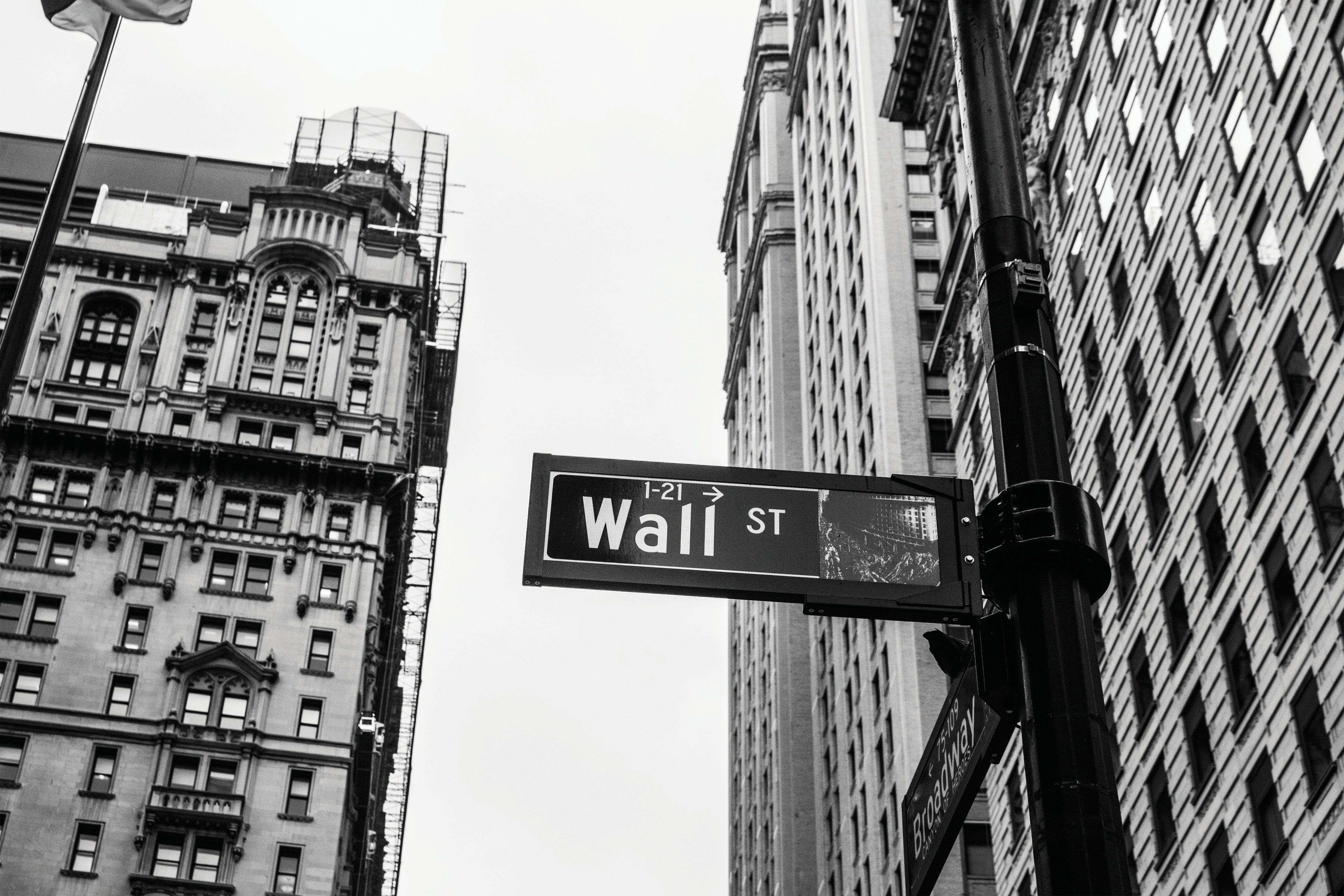 Wall Street, New York City - Credits: Chris Li, Unsplash