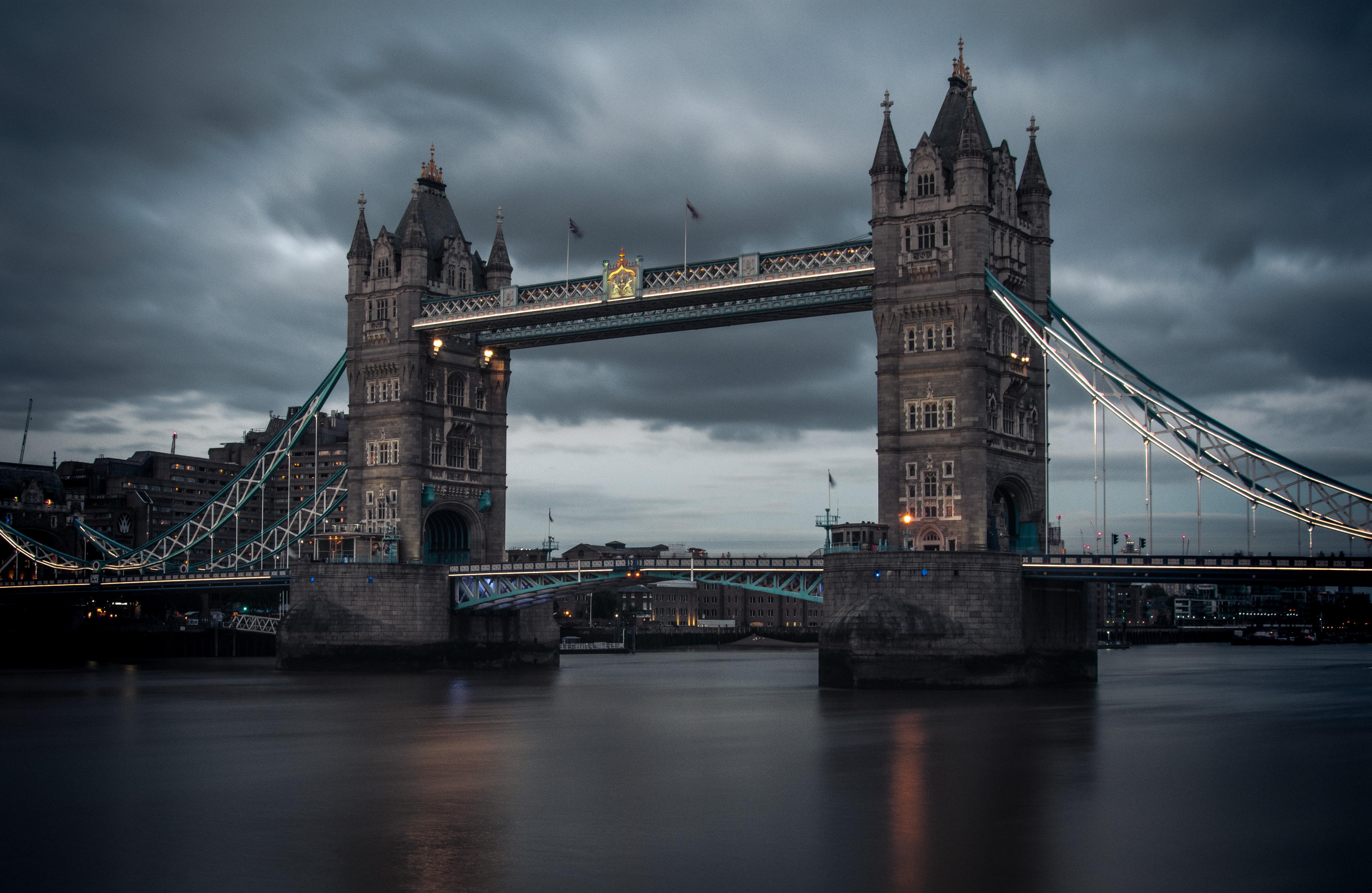 Tower Bridge, London - Credits: Lachlan Gowen, Unsplash